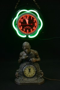 VINTAGE CLOCKS (NEON + BOXER)