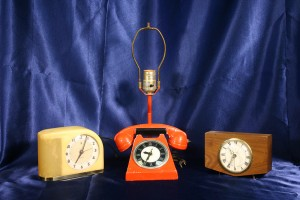 VINTAGE ELECTRIC CLOCKS 2