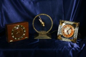 VINTAGE ELECTRIC CLOCKS